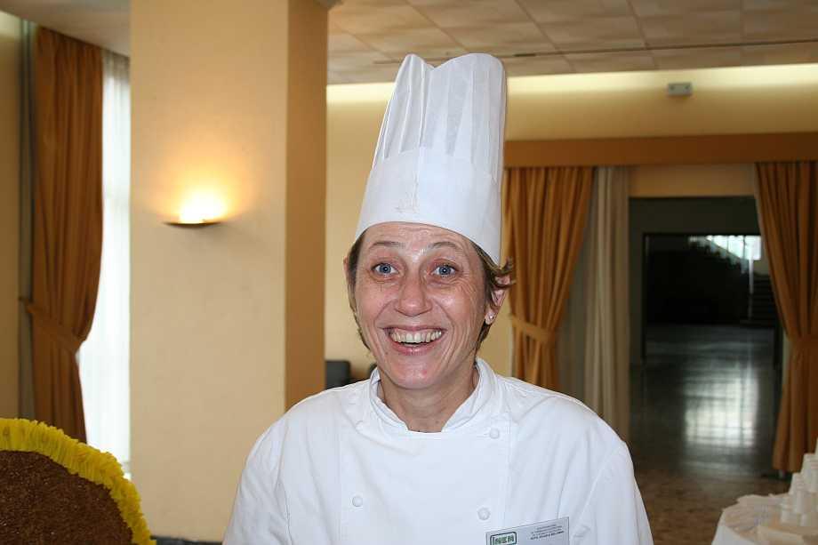 La más reciente profesora de pastelería, Dª Katy Schiff. Con anterioridad estuvieron el Sr. Navarro y el Sr. Blondelle , de los que desafortunadamente no tenemos fotos.